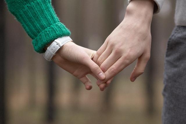 手をつなぐ最短結婚
